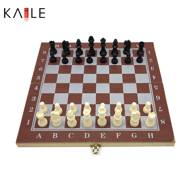 Small 3  in 1 chess game in wooden box