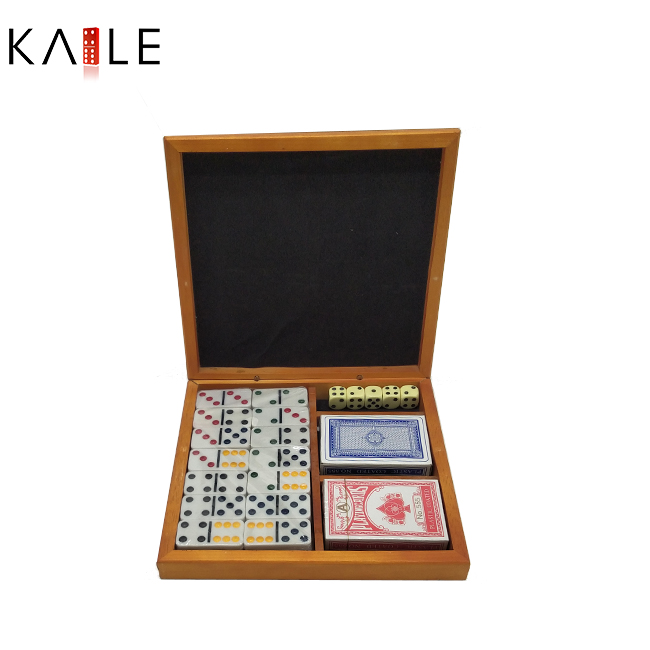 Domino  game  set  with  Wooden box